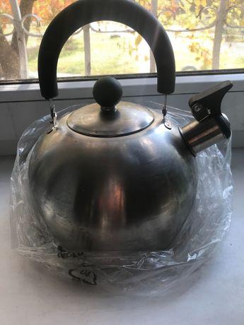 Чайник з нержавіючої сталі