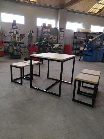 Ręcznie wykonany zestaw stół + taborety w stylu LOFT, industrialnym