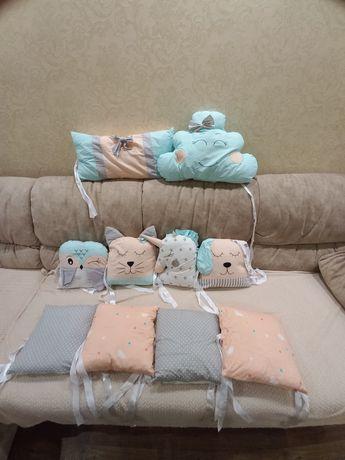 Бортики на дитяче ліжечко