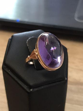 Piękny duży złoty pierścionek pr. 583