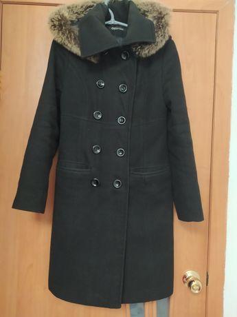 Чёрное классическое пальто