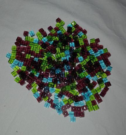 kostka szklana 100 sztuk mix kolor.