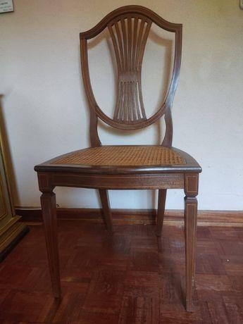Cadeiras de madeira, com palhinha, bom estado