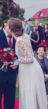 Długa, koronkowa suknia ślubna S
