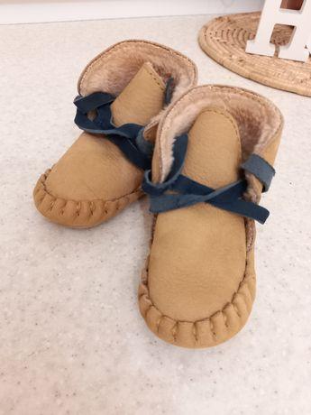 КОЖА. Пинетки, ботиночки, сапожки на малыша, малышку 3-6 месяцев