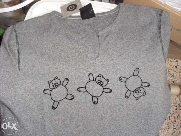 Blusa cinza com desenhos lineares de ursos