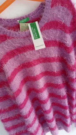 Śliczny sweterek firmy Benetton