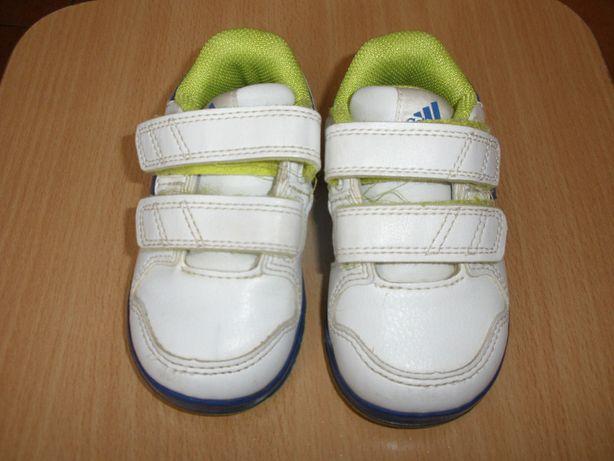 Buciki Adidas rozm. 20-21, dł. wkładki ok. 11,5-12 cm