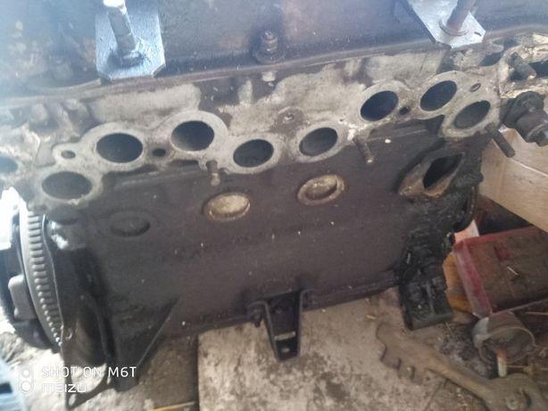 мотор ваз 2101   76.4поршня