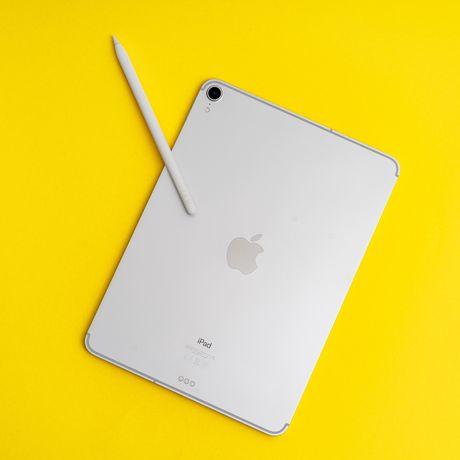 "iPad Pro 11"" 2018 LTE 256gb + Pencil 2 + Logitech Folio Touch + etui!!"