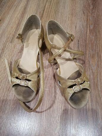 Туфли для танцев на 21,5 за 450грн