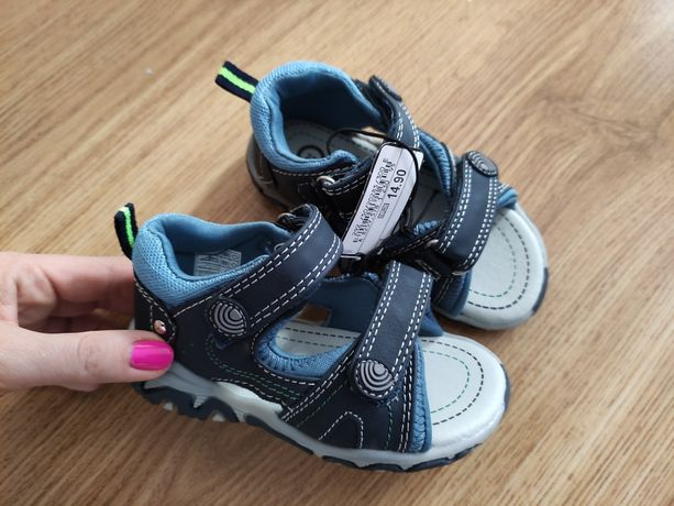 Sandały sandałki NOWE C&A 23