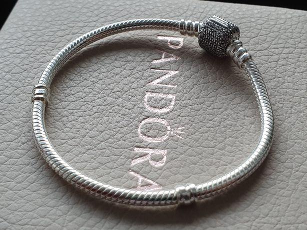 Pandora Bransoletka Moments z zapięciem baryłka Pave
