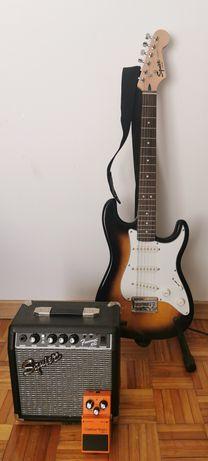 Guitarra Squier Strat, com amp e pedal distorção