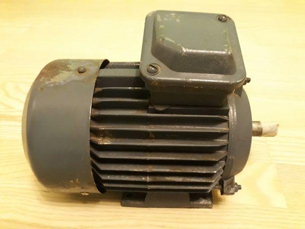 Электродвигатель 1.1квт.220.380в.2810об