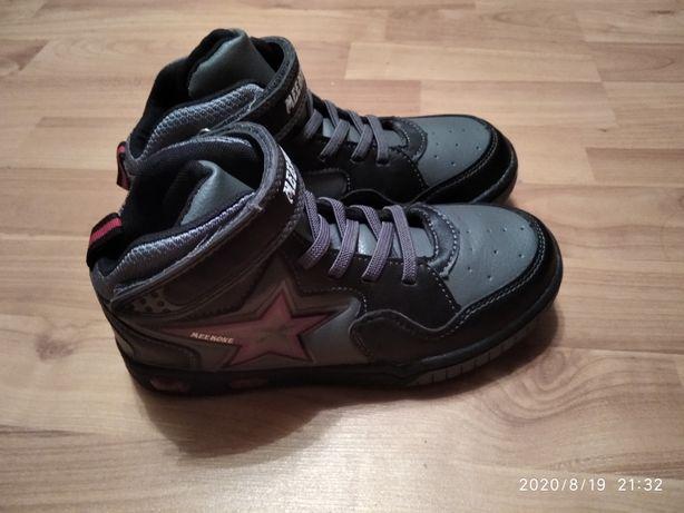 Продам новые, стильные кеды(кроссовки) на мальчика
