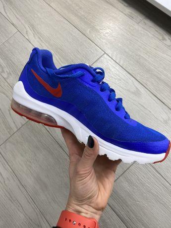 Кросівки жіночі Nike(indonesia)38,5 розмір(24,5 см)