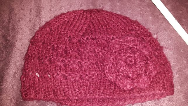 Damska czapka w kolorze malinowym, New Look