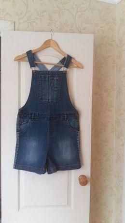 Джинсовые шорты-комбинезон на девочку 12-13 лет