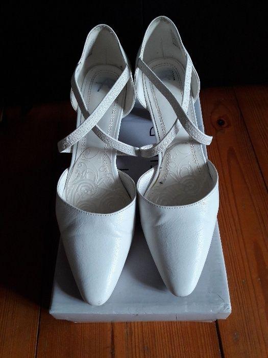 Białe buty rozmiar 39 Gorzów Wielkopolski - image 1