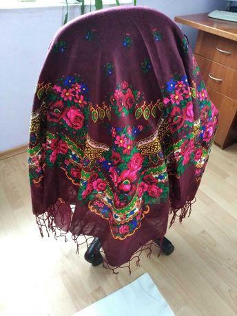 Красивый платок шерстяной