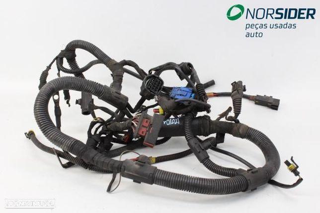 Instala elect comparti motor Fiat Punto 97-99