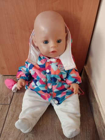 Lalka Baby Born. Płacze sika.