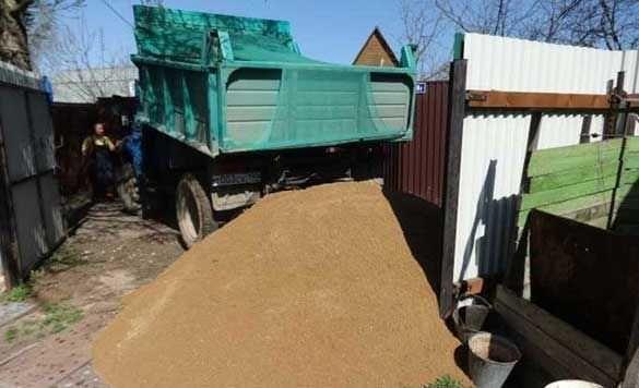 Песок,щебень,отсев,чернозем с доставкой 5-10 тонн-не дорого