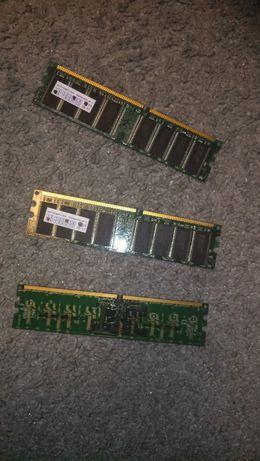 DDR 1 Gb x 2 шт , ddr2 512mb x 1шт