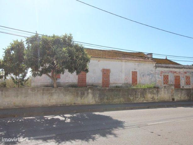 Terreno Urbano c/1627m2 no Sado