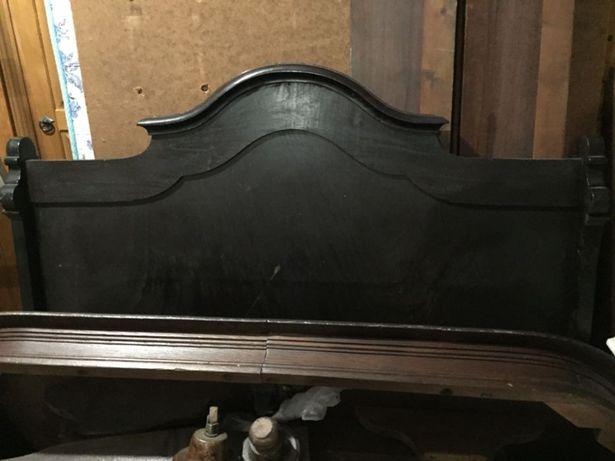 Cama Vintage em pau preto