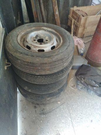Четыре колеса с дисками на Жигули