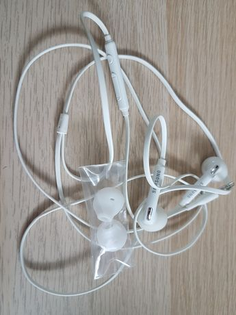 Słuchawki Samsung . Super stan / jak nowe !