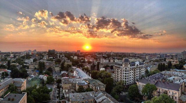 Продам 1-но комнатную квартиру с ремонтом возле парка Шевченко