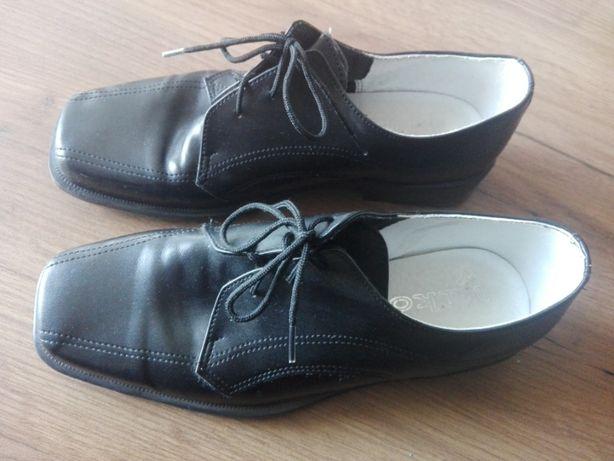 Buty chłopięce do garnituru rozmiar 35