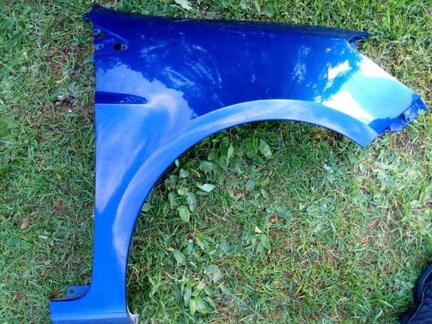 Clio 3 błotnik prawy przód kolor NV432 185 szer. oryginał demontaż