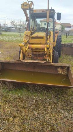 Tractor renault antigo