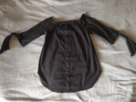 Czarna bluzka hiszpanka
