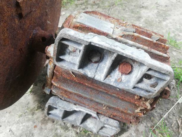 Silnik elektryczny 0.8 kw 3 fazy 230/380v