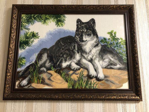 Картина-вышивка Волки