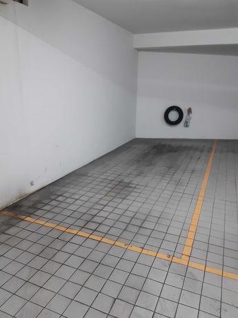 Lugar de garagem na rasa.