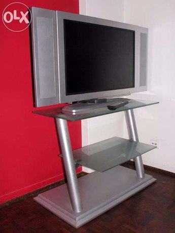 Mesa para Tv e equipamento