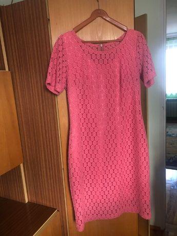 Różowa wizytowa sukienka