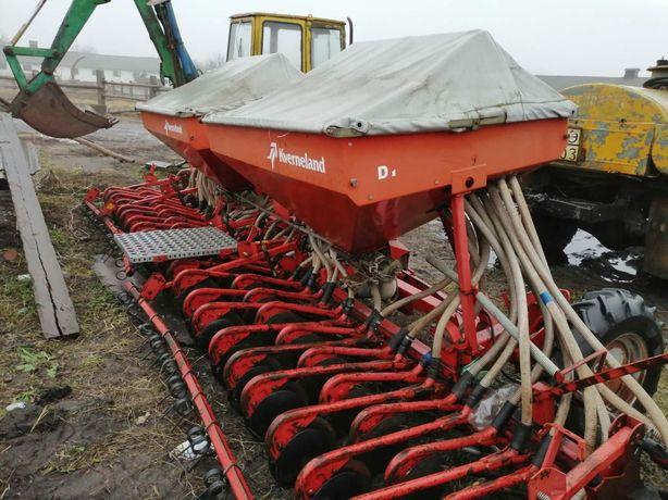 Сеялка зерновая Kverneland, Трактор ЮМЗ ЕО 2621 экскаватор