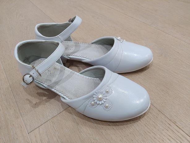 Biało-perłowe buciki komunijne r37