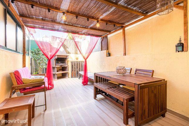 Moradia T3 + 2 em Vila Nova da Caparica