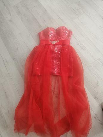 Випускне плаття червоне