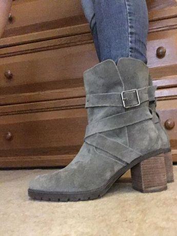 Стильні черевички, ботинки Clarks в ідеальному стані