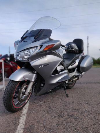 Honda ST1300 PanEuropean