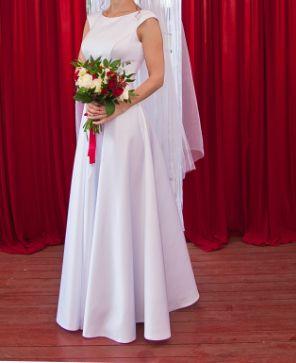 Свадебное платье белое.Атлас.Весільна сукня біла.